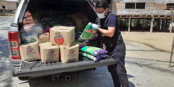 bekalan-makanan-kepada-penduduk-asli-sg-loon,-telimau-dan-lemoi-1